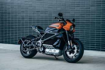 Harley-Davidson-Livewire-Gear-Patrol-SLIDE-1-1940x1300